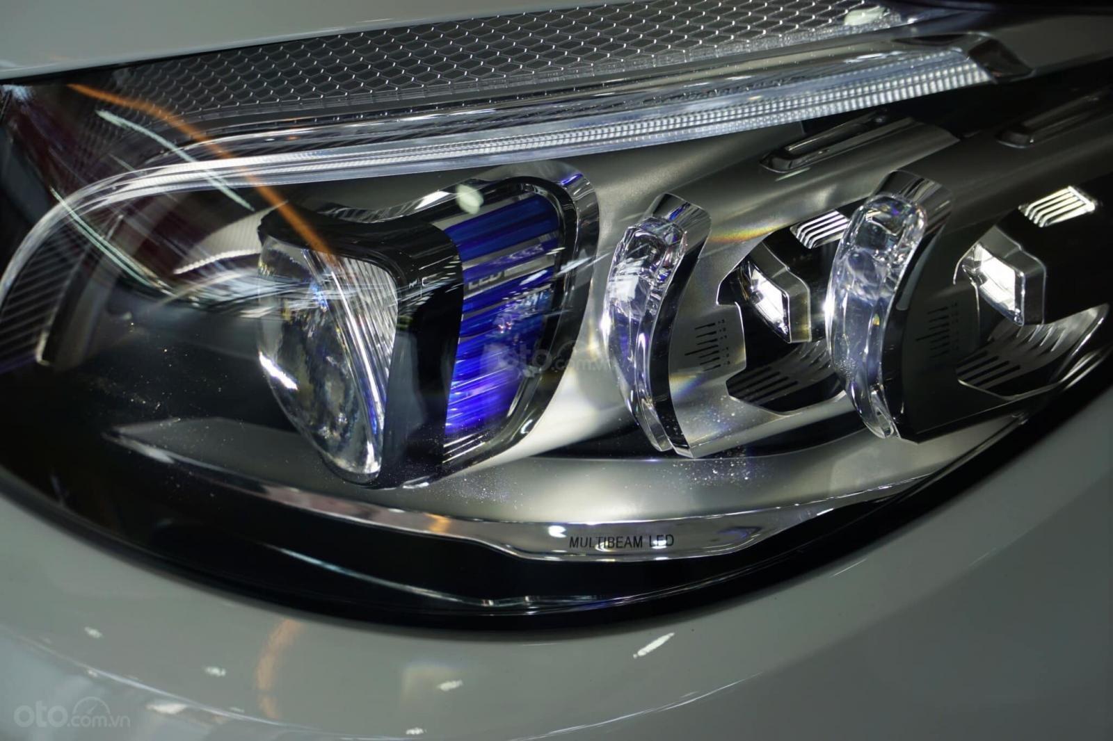 Giá xe Mercedes C300 AMG 2019: Thông số, giá lăn bánh (11/2019) giảm tiền mặt, tặng bảo hiểm và phụ kiện chính hãng (7)