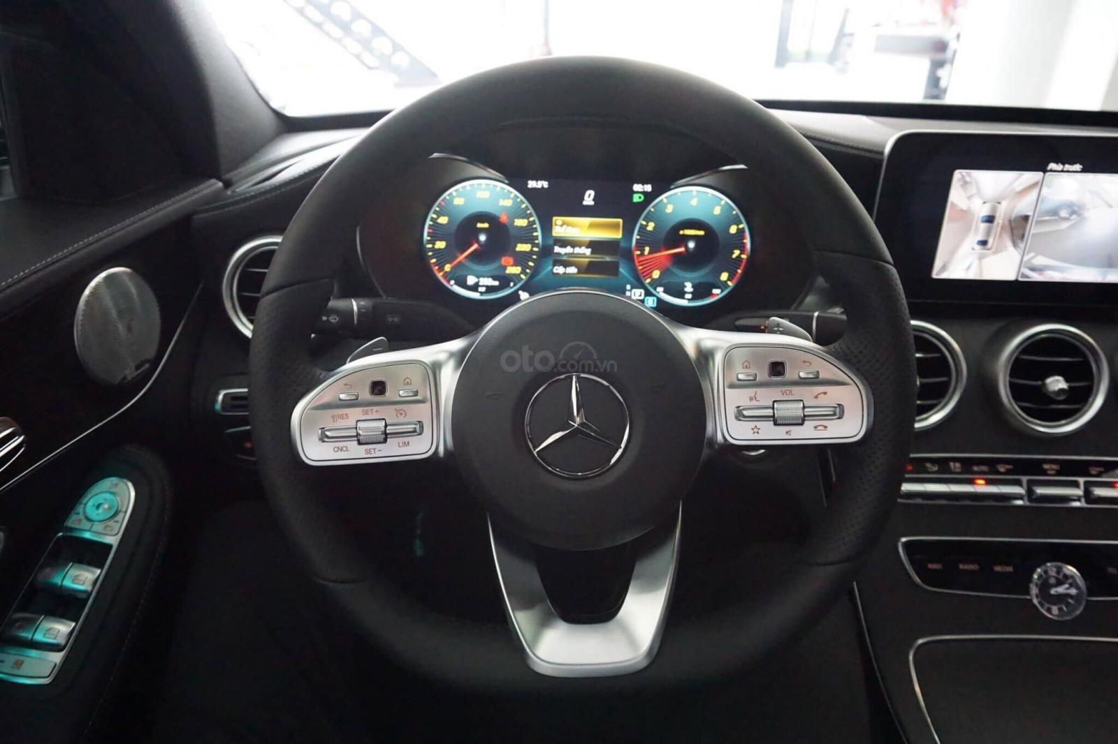 Giá xe Mercedes C300 AMG 2019: Thông số, giá lăn bánh (11/2019) giảm tiền mặt, tặng bảo hiểm và phụ kiện chính hãng (12)