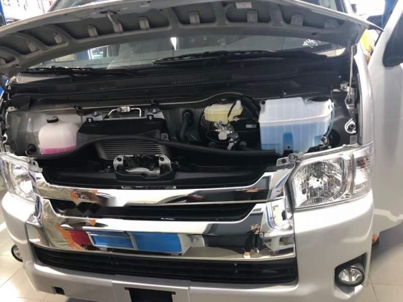 Bán xe Toyota Hiace năm sản xuất 2019, màu bạc, nhập khẩu nguyên chiếc, giá chỉ 819 triệu-4
