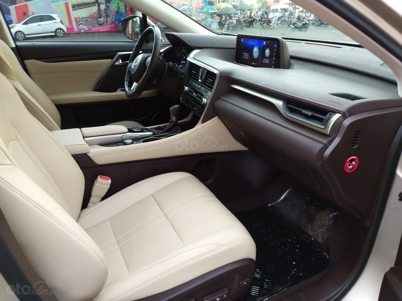 Lexus RX 350 model 2016, màu kem, nhập khẩu chính hãng, xe nhà ít sử dụng còn mới toanh, 3 tỷ 520 triệu-5