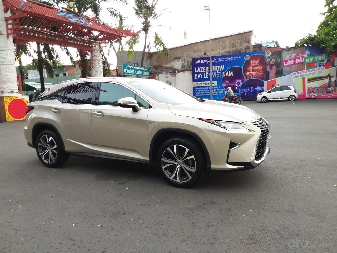 Lexus RX 350 model 2016, màu kem, nhập khẩu chính hãng, xe nhà ít sử dụng còn mới toanh, 3 tỷ 520 triệu-10