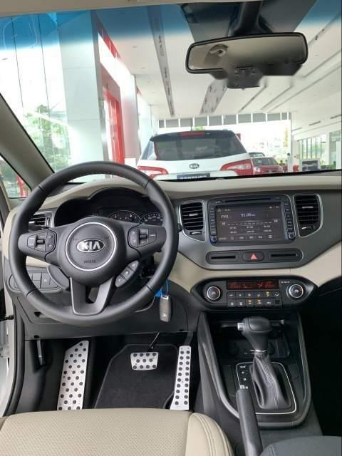 Bán ô tô Kia Rondo đời 2019, màu trắng-2