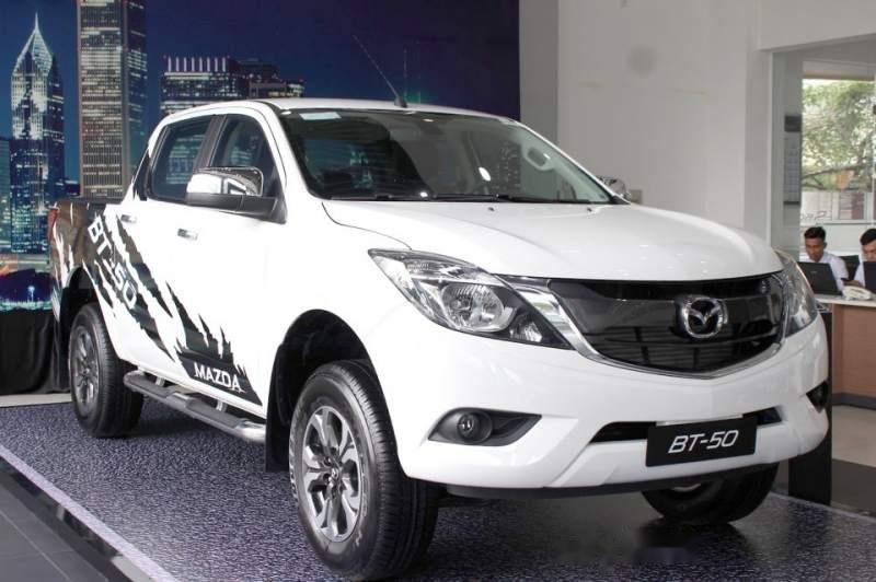 Bán Mazda BT 50 2019, màu trắng, xe nhập, giá chỉ 699 triệu-0