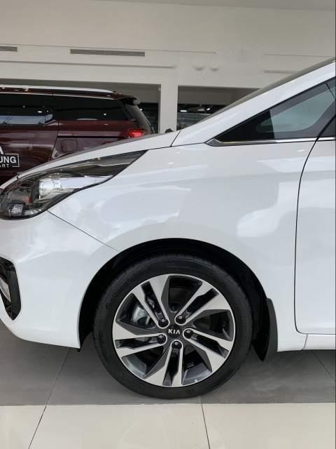 Bán ô tô Kia Rondo đời 2019, màu trắng-4
