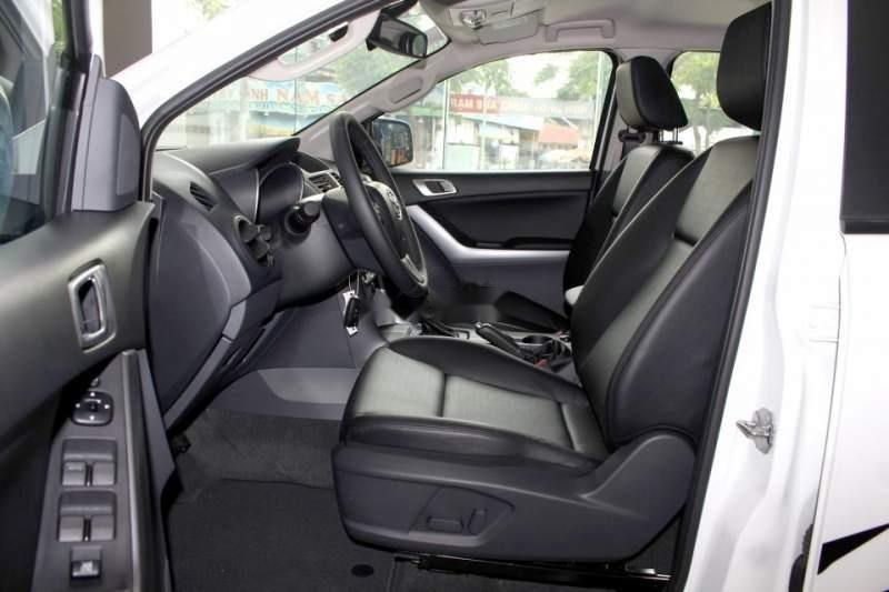 Bán Mazda BT 50 2019, màu trắng, xe nhập, giá chỉ 699 triệu-3