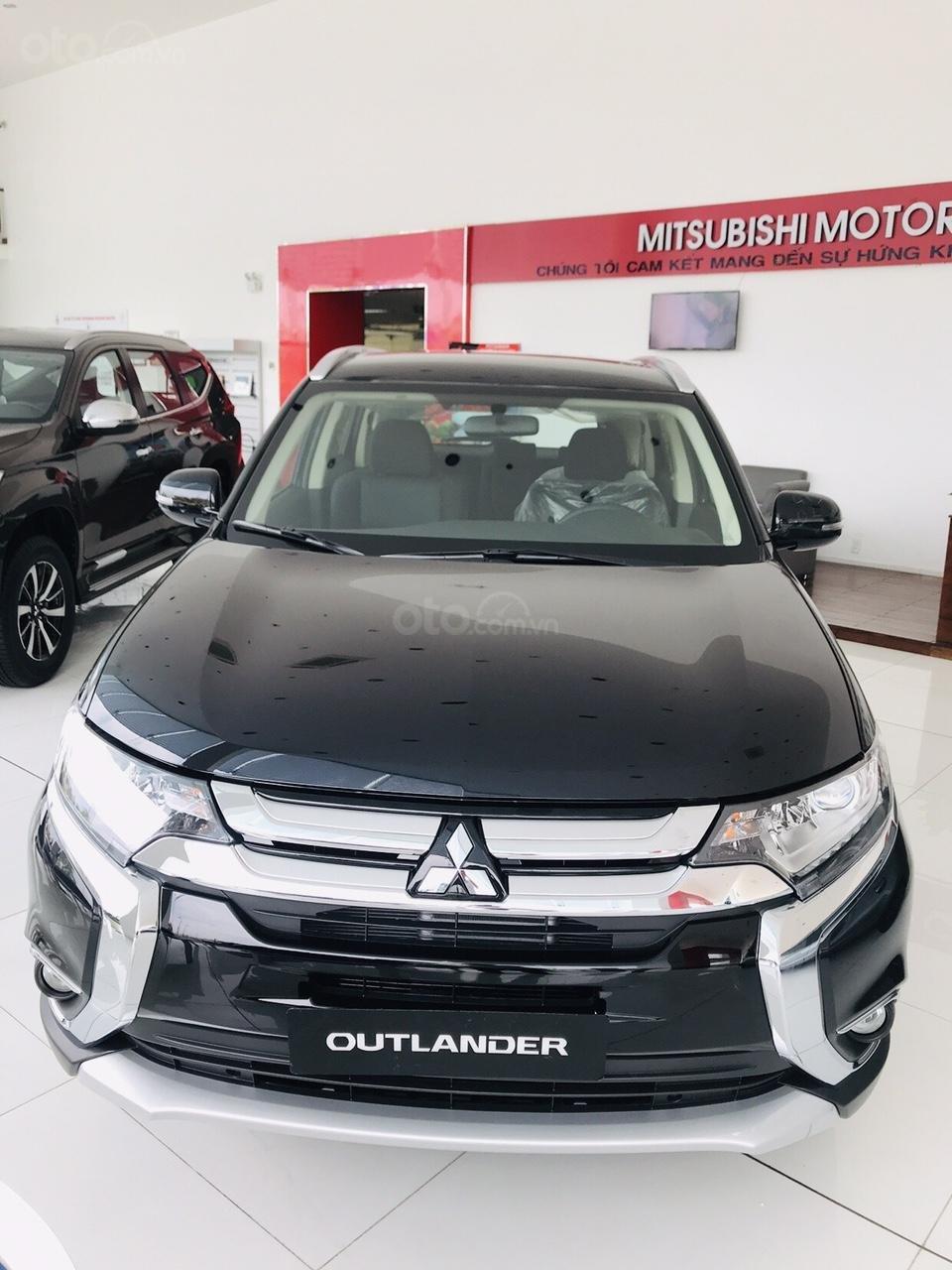 Bán xe Mitsubishi Outlander 2.0 CVT năm sản xuất 2019, trả góp 80%, liên hệ: 0969 496 596 để nhận nhiều ưu đãi (1)