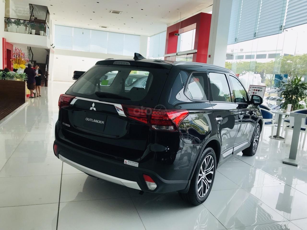 Bán xe Mitsubishi Outlander 2.0 CVT năm sản xuất 2019, trả góp 80%, liên hệ: 0969 496 596 để nhận nhiều ưu đãi (3)