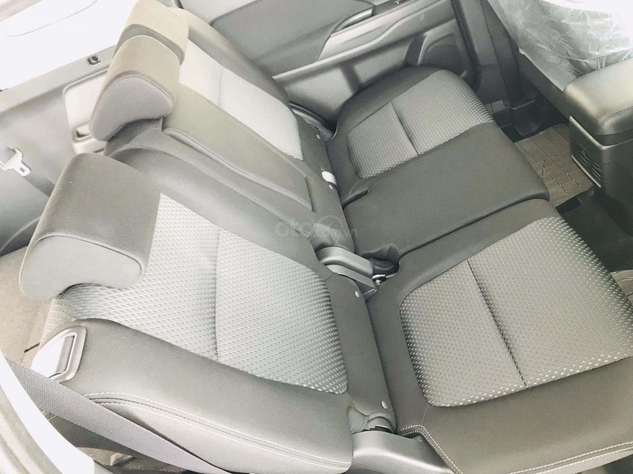 Bán xe Mitsubishi Outlander 2.0 CVT năm sản xuất 2019, trả góp 80%, liên hệ: 0969 496 596 để nhận nhiều ưu đãi (8)