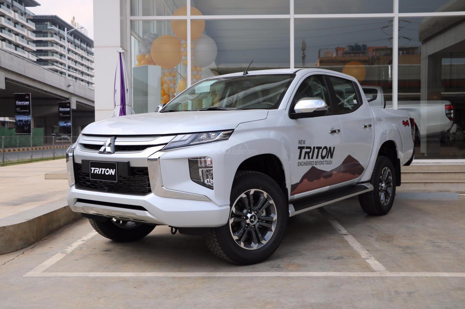 Cần bán xe Mitsubishi Triton 4x4 AT 2019, màu trắng, nhập khẩu nguyên chiếc-0