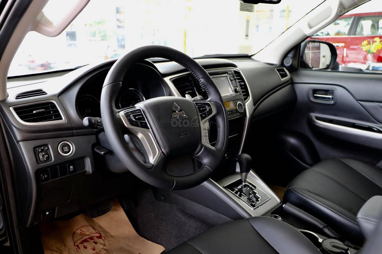 Cần bán xe Mitsubishi Triton 4x4 AT 2019, màu trắng, nhập khẩu nguyên chiếc-3