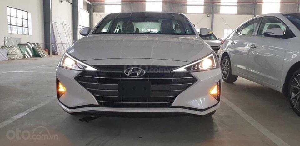 Bán Hyundai Elantra 2019 giao ngay, giá cực tốt, KM cực cao, trả góp 80%, lãi ưu đãi, liên hệ Mr Ân: 0939493259 (2)