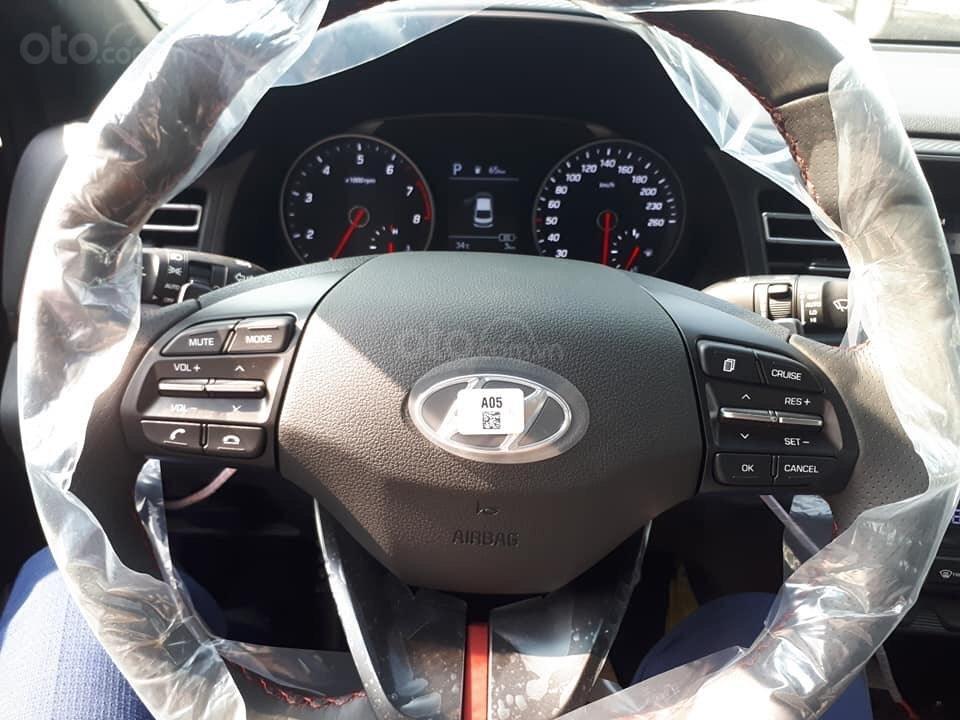 Bán Hyundai Elantra 2019 giao ngay, giá cực tốt, KM cực cao, trả góp 80%, lãi ưu đãi, liên hệ Mr Ân: 0939493259 (6)