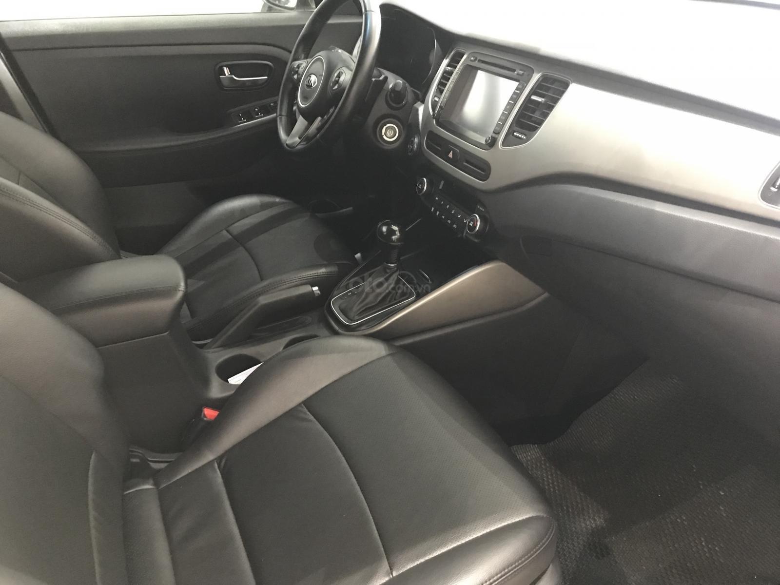 Cần bán xe Kia Rondo đời 2016 máy dầu-4