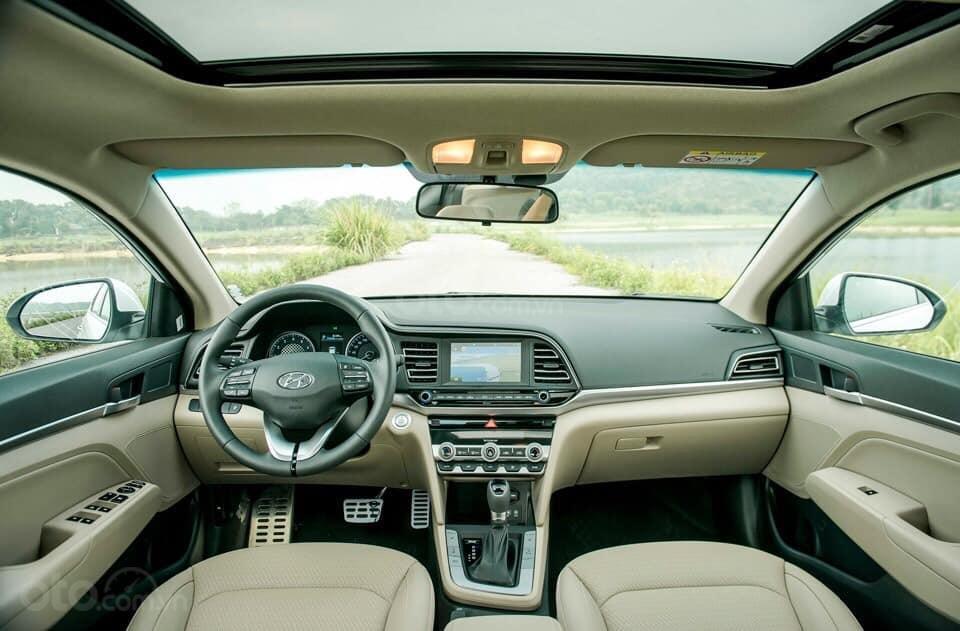"""""""Sốc"""" giảm 30 triệu tiền mặt - chỉ 179tr - Hyundai Elantra 1.6 MT 2020, hỗ trợ trả góp 85% - thủ tục nhanh chóng (5)"""