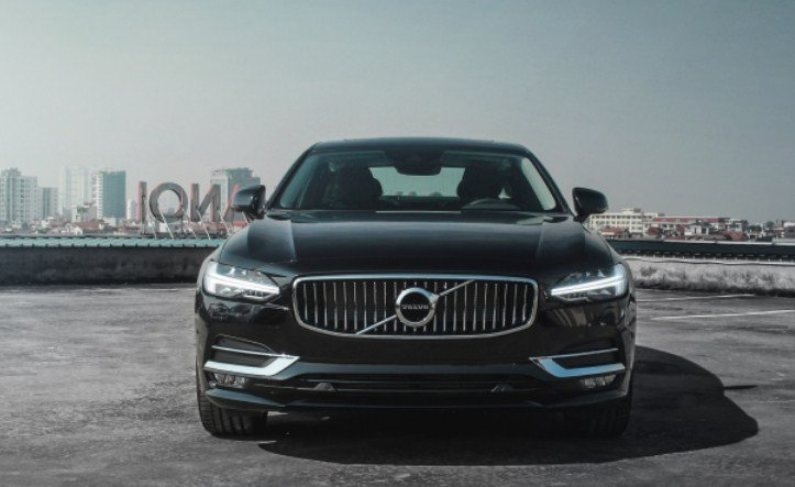 Giá xe Volvo S90 mới nhất.