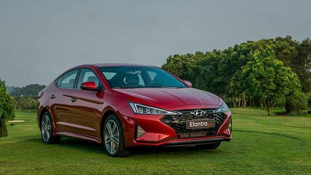So sánh xe Hyundai Elantra 2019 và Kia Cerato 2019: Tiền nào của nấy 3