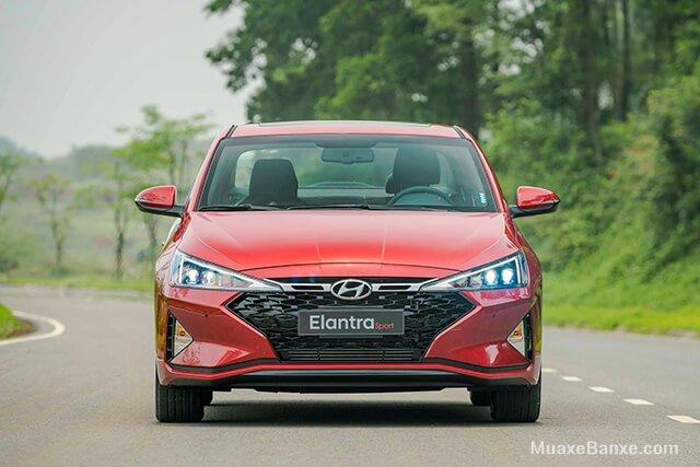 So sánh xe Hyundai Elantra 2019 và Kia Cerato 2019 về đầu xe 3