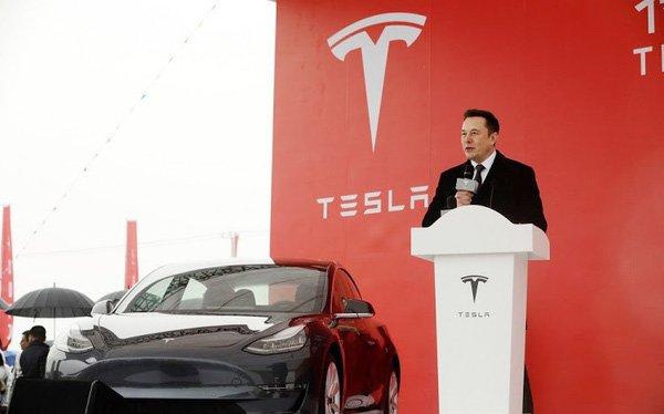 Tesla xin Mỹ ngừng đánh thuế linh kiện từ Trung Quốc.