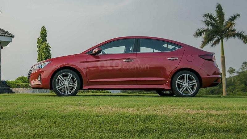 Thân xe Hyundai Elantra Sport 2019...