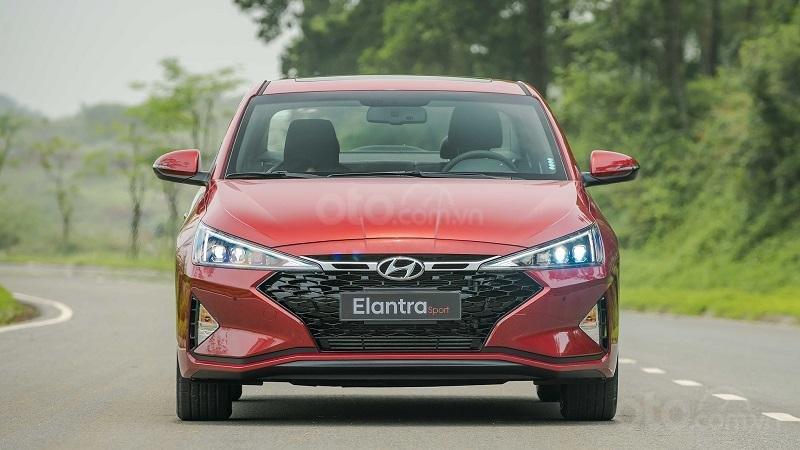 Đầu xe Hyundai Elantra Sport 2019...