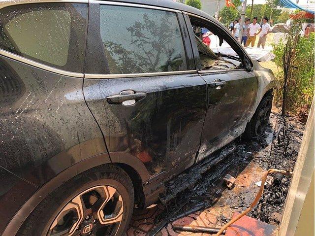 Honda CR-V bốc cháy tại Nam Định a1.