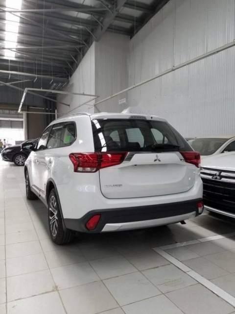 Cần bán Mitsubishi Outlander 2019, màu trắng, chất lượng toàn cầu với 100% linh kiện nhập khẩu từ Nhật Bản-1