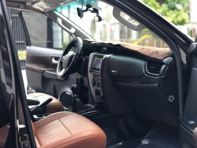 Cần bán Toyota Fortuner G 2.4MT sản xuất năm 2017, màu đen, nhập khẩu nguyên chiếc số sàn-4