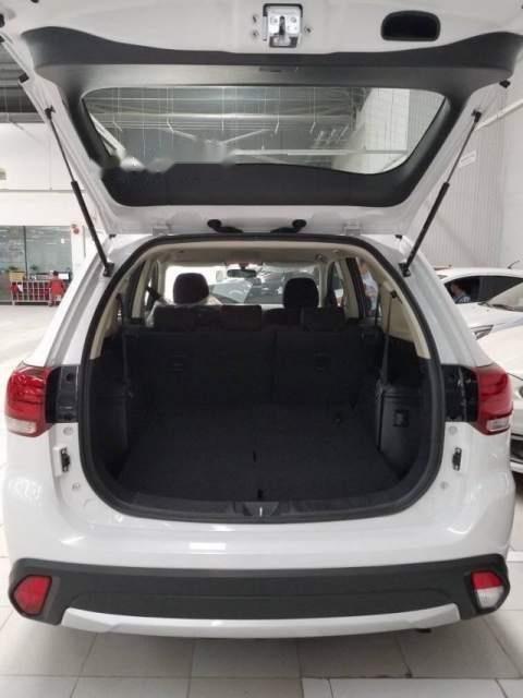 Cần bán Mitsubishi Outlander 2019, màu trắng, chất lượng toàn cầu với 100% linh kiện nhập khẩu từ Nhật Bản-2