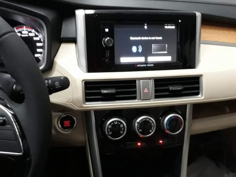 Bán Mitsubishi Xpander đời 2019, màu đen, xe nhập-4