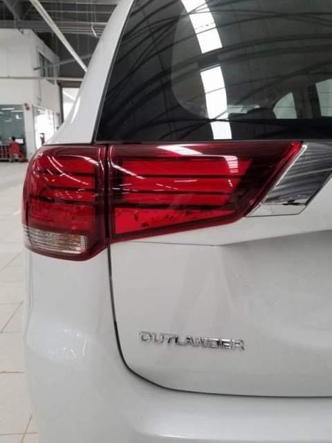 Cần bán Mitsubishi Outlander 2019, màu trắng, chất lượng toàn cầu với 100% linh kiện nhập khẩu từ Nhật Bản-3