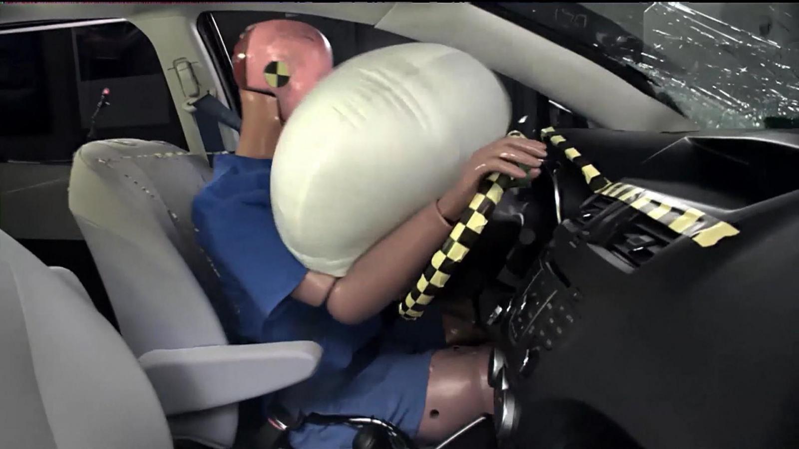 Khám phá những con số liên quan đến túi khí an toàn trên ô tô a2