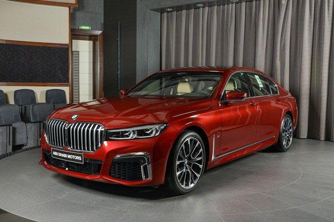 Cận cảnh chiếc BMW 730Li mạnh mẽ dù sử dụng động cơ 2.0L a2