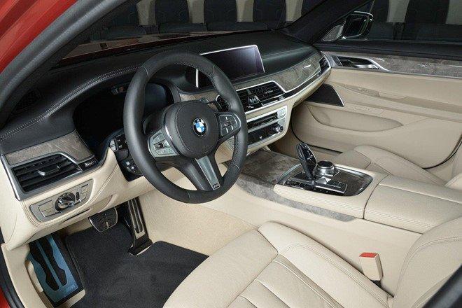 Cận cảnh chiếc BMW 730Li mạnh mẽ dù sử dụng động cơ 2.0L a5