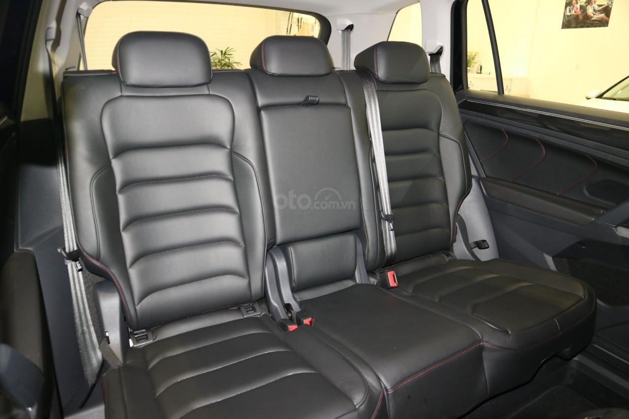 Bán Vokswagen Tiguan Allspace màu trắng, giá tốt giao ngay-2