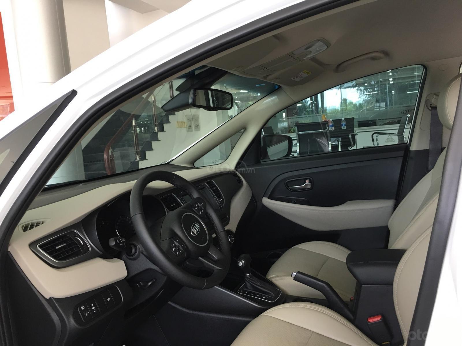 Kia Rondo - Liên hệ ngay để có ưu đãi tốt nhất trong tháng - Hotline: 0902653568-1