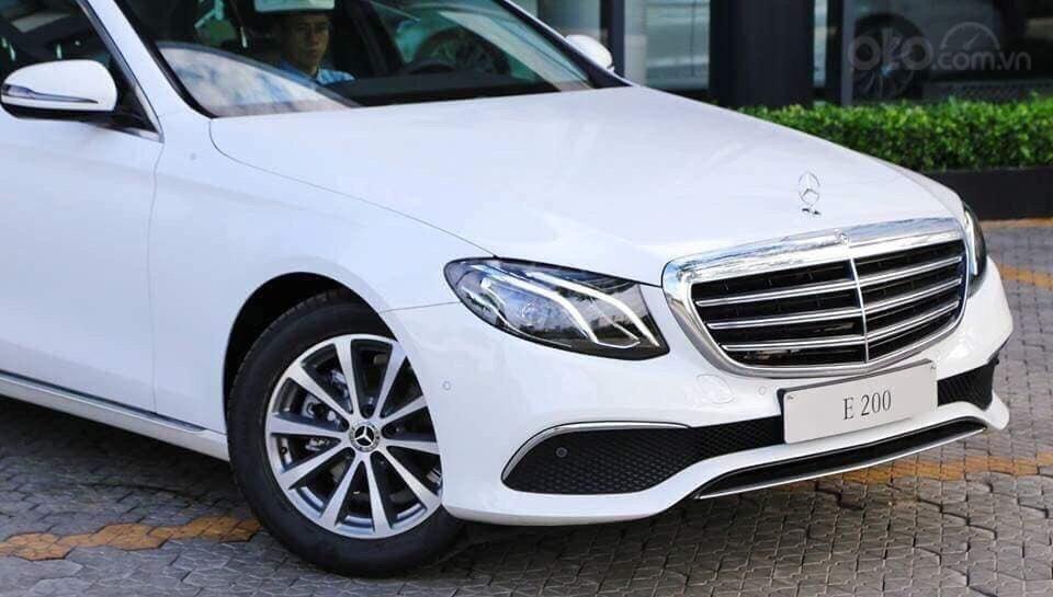 Giá xe ô tô Mercedes E200 2019: Thông số, giá lăn bánh, khuyến mãi (08/2019), ưu đãi tiền mặt và gói phụ kiện hãng-0