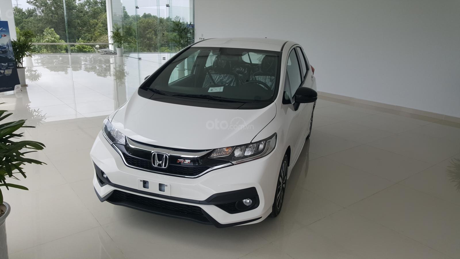 [SG] Bán Honda Jazz, màu trắng - Nhập Thái Lan - Tặng hơn 100 triệu - xin LH: 0901.898.383-0