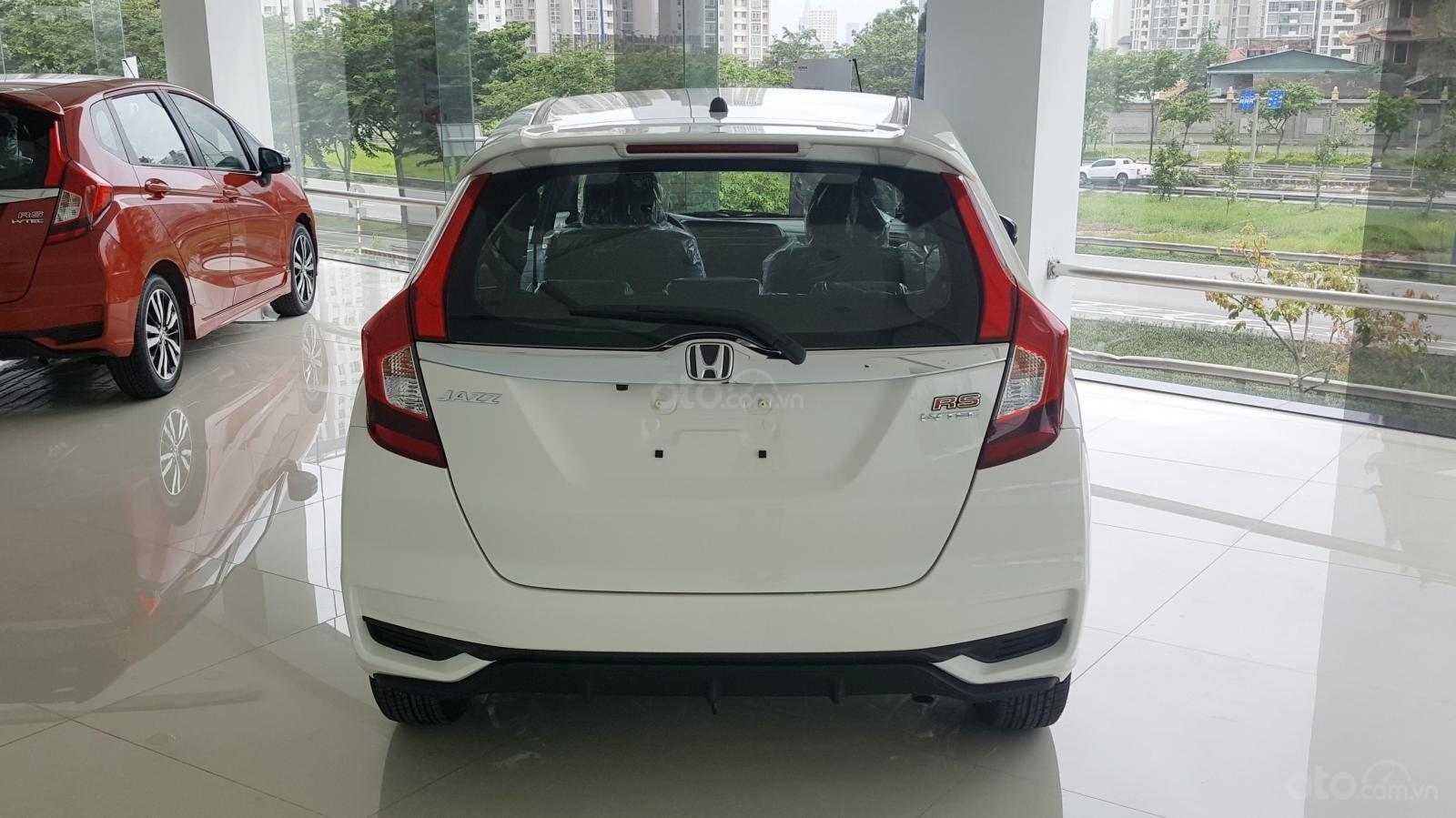 [SG] Bán Honda Jazz, màu trắng - Nhập Thái Lan - Tặng hơn 100 triệu - xin LH: 0901.898.383-2