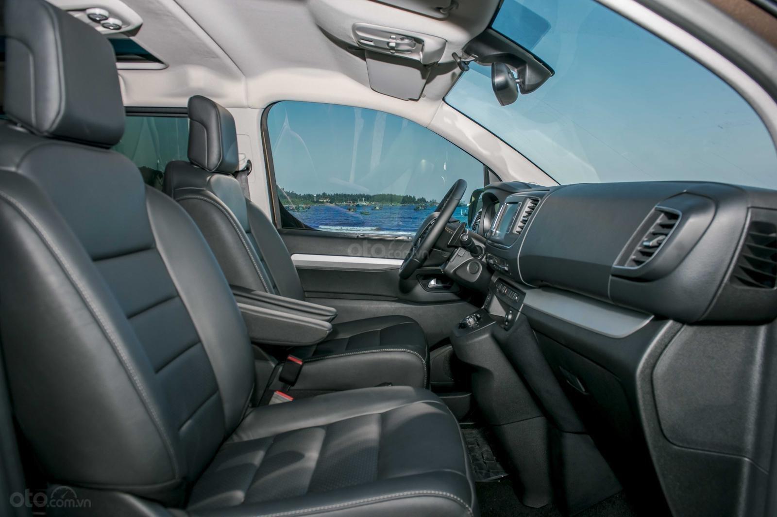Peugeot Traveller Luxury 2019 - Có xe giao ngay - Nhiều ưu đãi hấp dẫn - Trả trước 20% nhận xe - Hotline: 0909.450.005-8