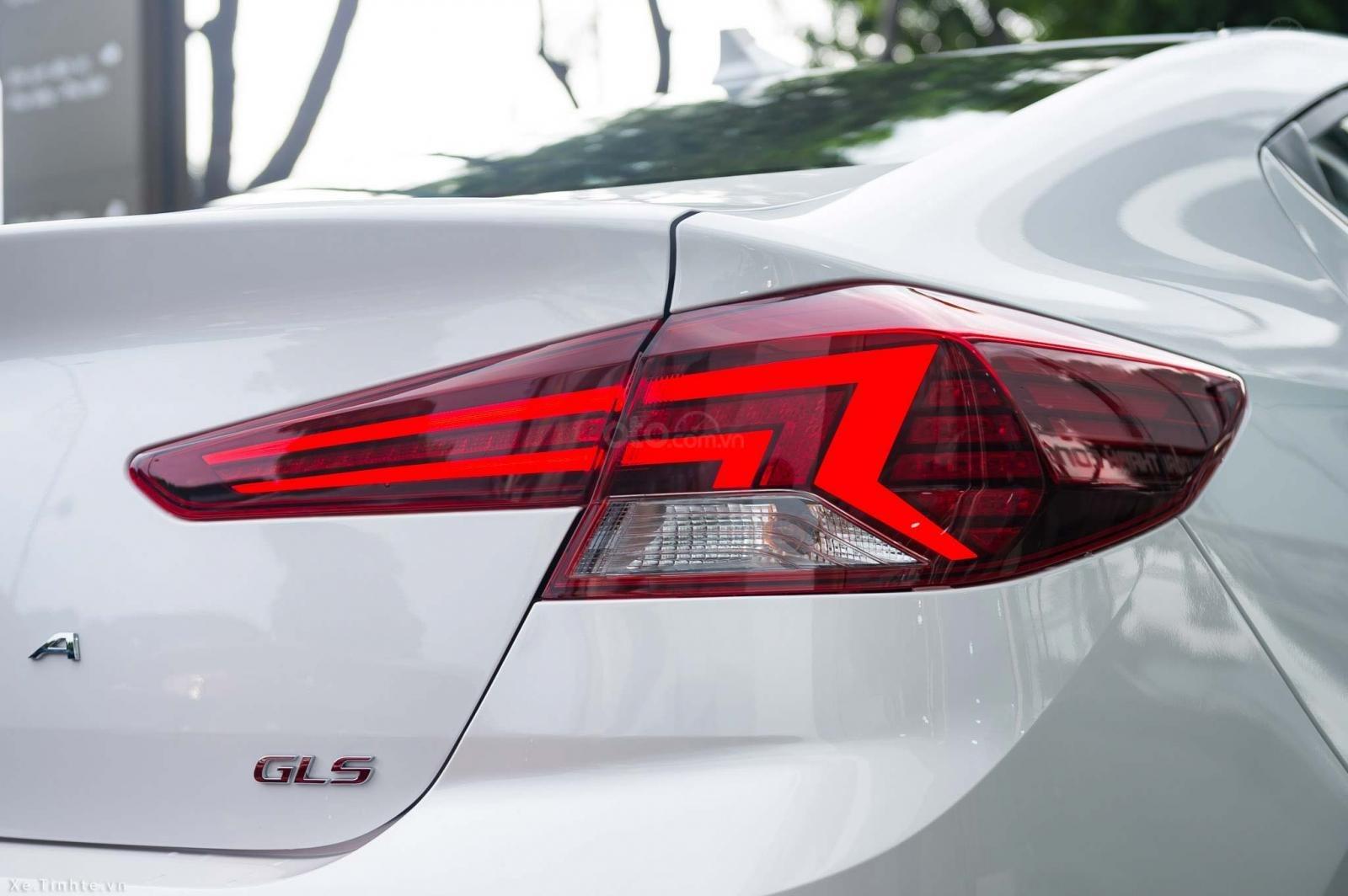 """""""Sốc"""" giảm 30 triệu tiền mặt - chỉ 179tr - Hyundai Elantra 1.6 MT 2020, hỗ trợ trả góp 85% - thủ tục nhanh chóng (8)"""