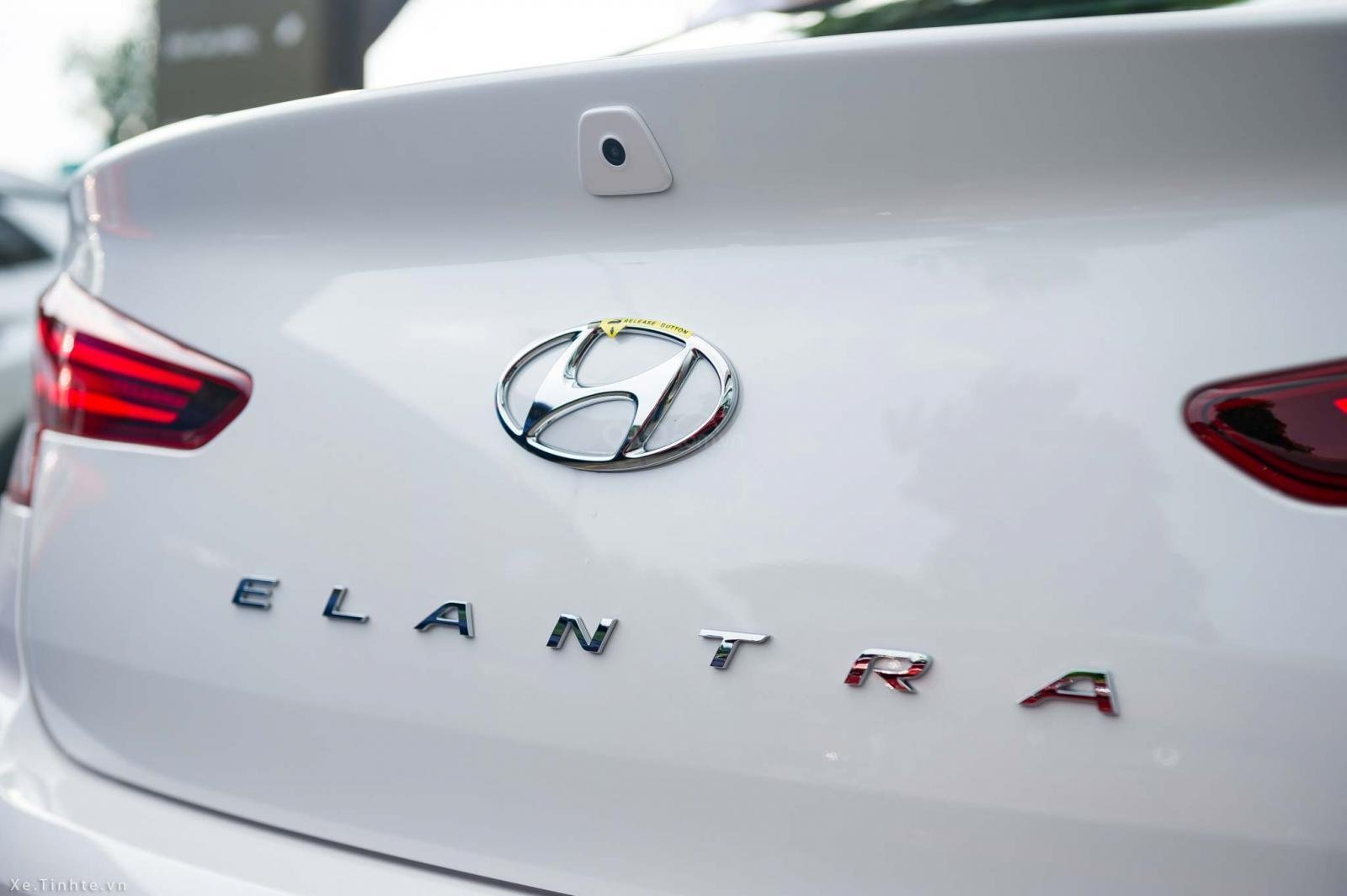 """""""Sốc"""" Tặng 10 triệu phụ kiện - Chỉ 179tr- Hyundai Elantra 1.6 AT 2019, hỗ trợ trả góp 85% - Thủ tục nhanh chóng-6"""