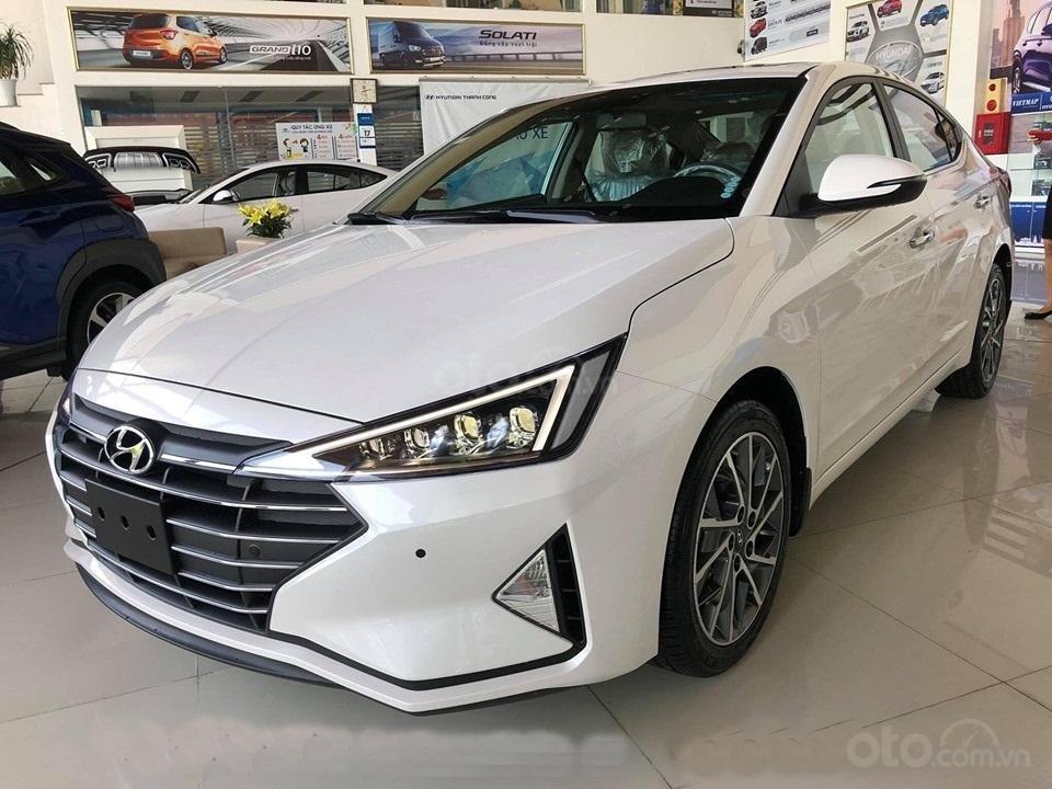 """""""Sốc"""" giảm 30 triệu tiền mặt - chỉ 179tr - Hyundai Elantra 1.6 MT 2020, hỗ trợ trả góp 85% - thủ tục nhanh chóng (2)"""