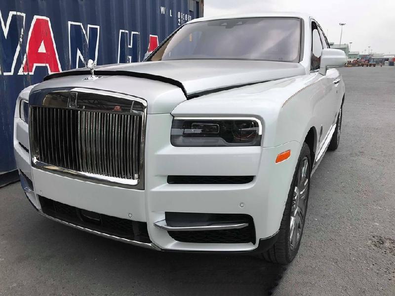 Siêu SUV Rolls-Royce Cullinan 2019 giá trên 40 tỷ đồng dạo phố Hà Nội a2
