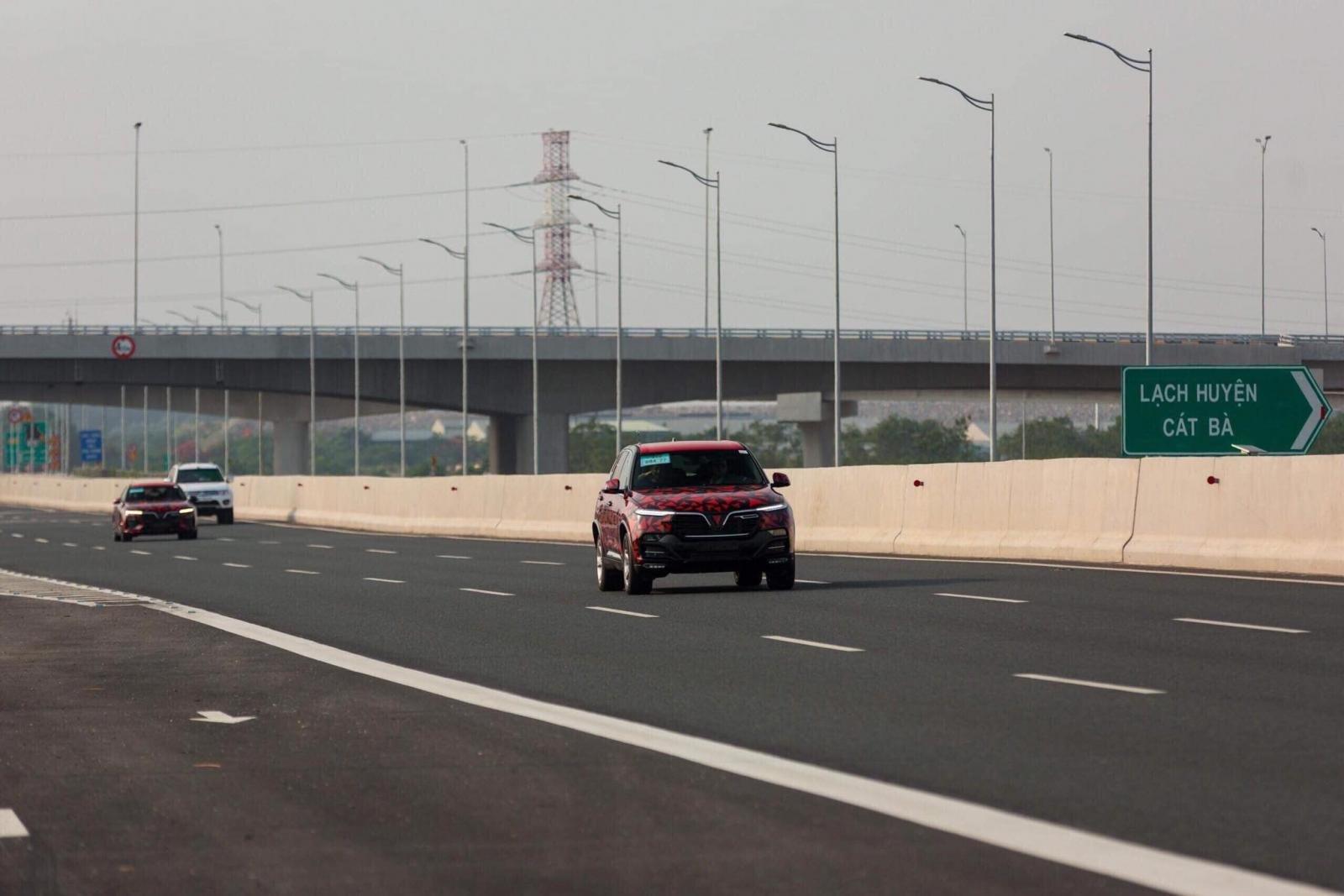 Những hình ảnh đoàn xe VinFast LUX A2.0 và SA2.0 chạy xuyên Việt a8