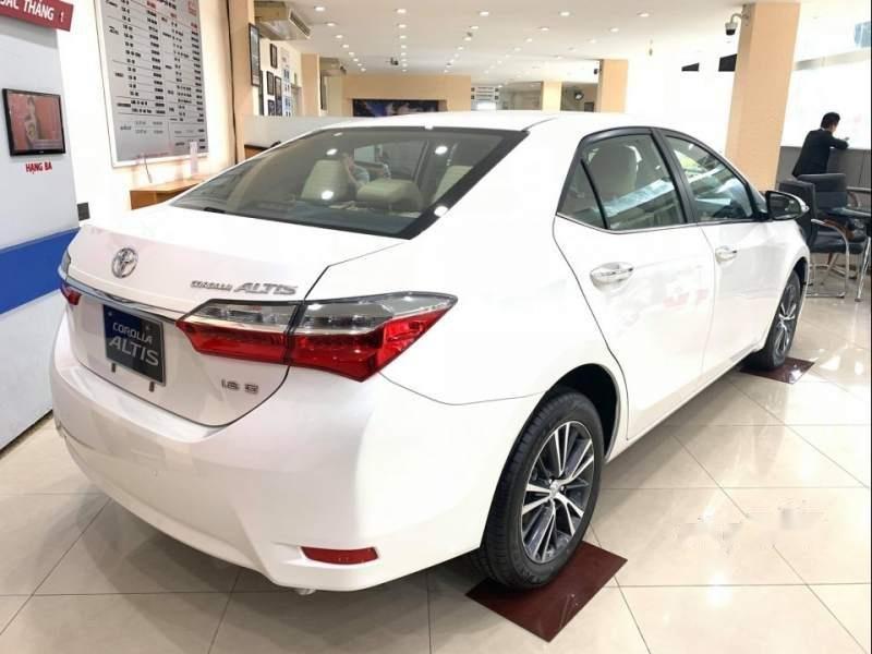 Bán xe Toyota Corolla altis năm sản xuất 2019, màu trắng-2