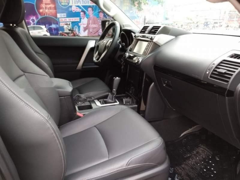 Bán Toyota Land Cruiser Prado  TXL 2017, màu đen, xe nhập-4