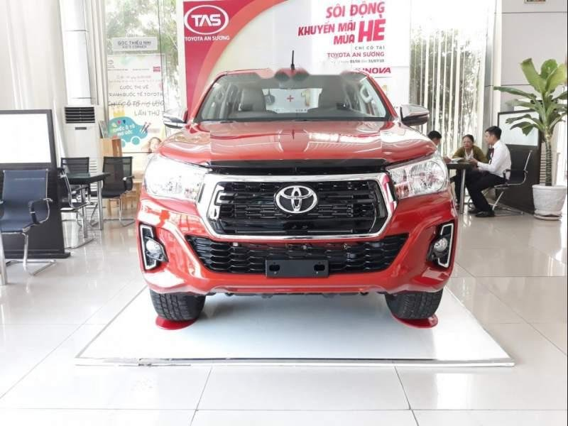Bán Toyota Hilux 2.4 2019, màu đỏ, xe nhập-0