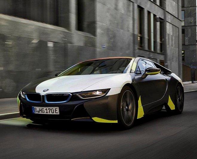 Đứng trước một kiệt tác nghệ thuật BMW i8 này, có ai không xiêu lòng? a5