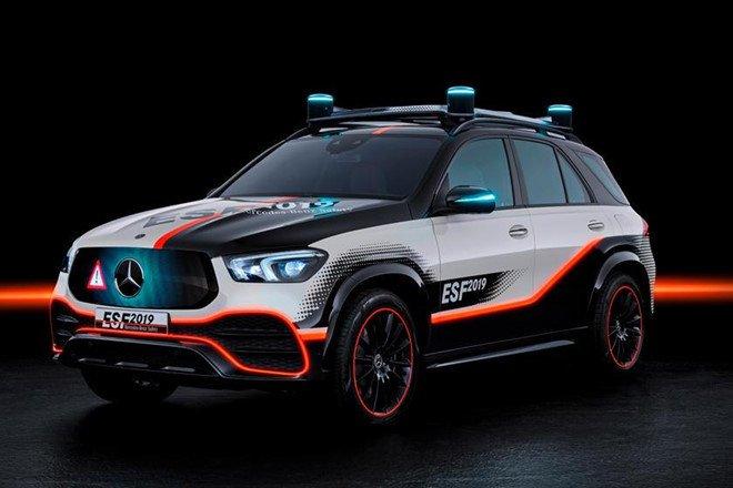 Mercedes GLE mới bổ sung loạt công nghệ an toàn mới a1