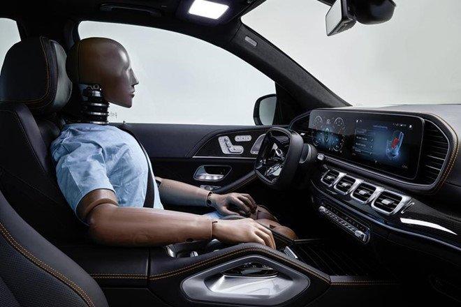 Mercedes GLE mới bổ sung loạt công nghệ an toàn mới a3